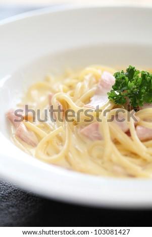 Spaghetti Carbonara with ham and cheese