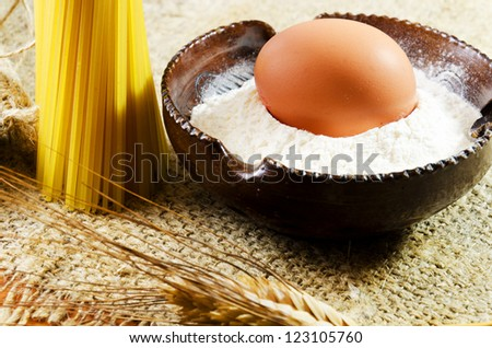 Spaghetti flour and egg