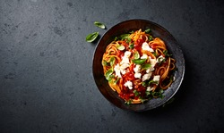 Spaghetti with Fresh Tomato Sauce, Mozzarella and Basil