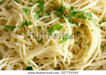 spaghetti with garlic, olive oil and with parsley