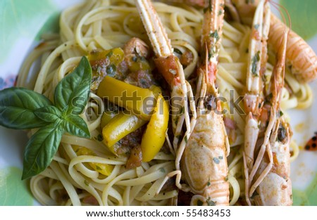 Spaghetti with scampi