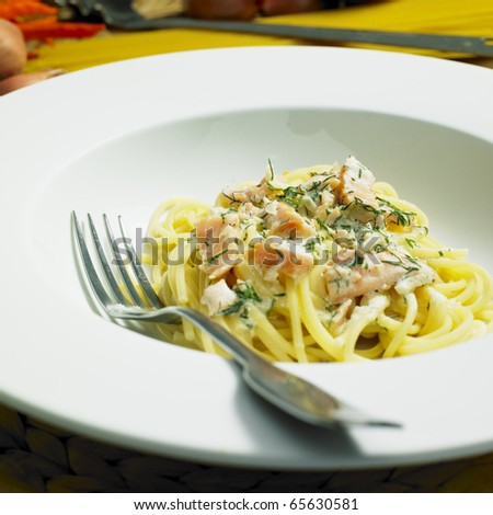spaghetti with smoked salmon and dill