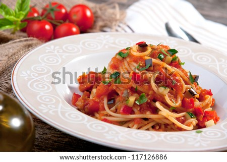 Spaghetti with tomato sauce and vegetable