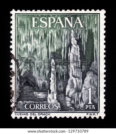 SPAIN - CIRCA 1964: a stamp printed in the Spain shows Dragon Caves, Majorca, Spain, circa 1964