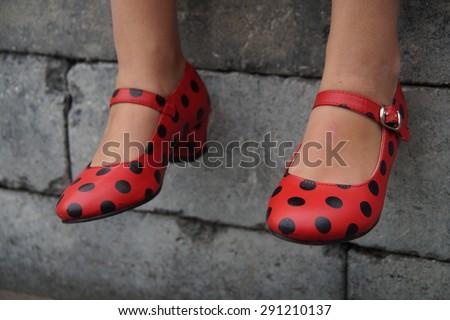 Spanish flamenco dance shoes - sitting tough