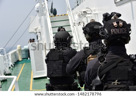 Special forces during anti-piracy drills in Pacific