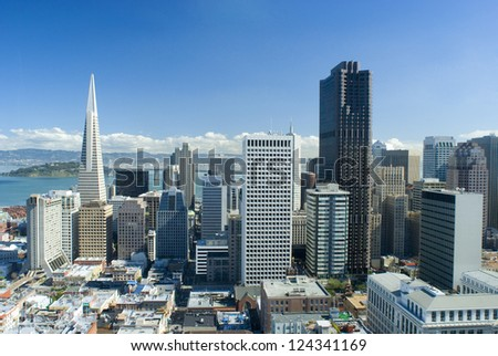 spectacular cityscape of san francisco on a sunny day