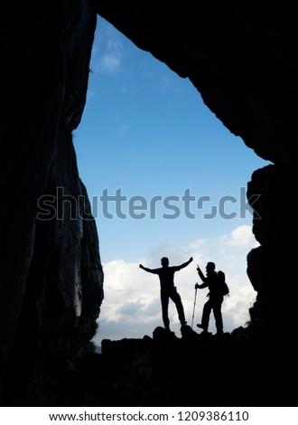 spectacular vertical caves explorers, successful climbers