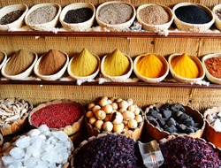 Spices in arabic store including turmeric and curry powder