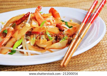 Spicy Thai Noodles With Shrimp Spicy Shrimp Pad Thai Stir-fry