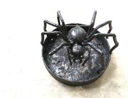 Spider metal work art-piece for mosquito repellent