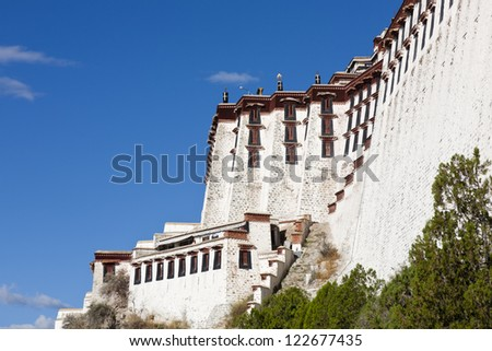 Splendent ancient building - Potala Palace in Tibet