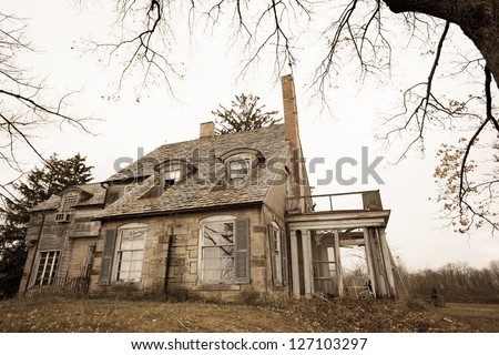 Spooky ghostly house in rural Ohio, USA