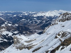 Spring icy alpine atmosphere on the Swiss mountain peaks viewed from the Les Diablerets massif (Travel destination Glacier 3000) - Canton of Vaud, Switzerland (Suisse)