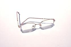Square shape glasses for fashion teenagers.
