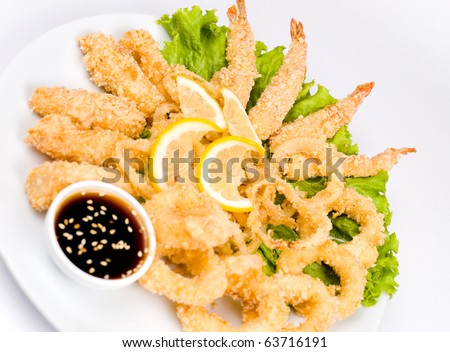squid rings, shrimps and cheese sticks, fried in batter