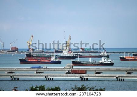 SRIRACHA - THAILAND - OCTOBER 29, 2014 : Big ships in the Laemchabang seaport on Oct 29, 2014 in Sriracha province, Thailand