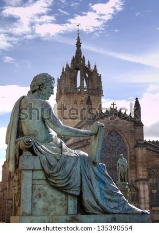 St Giles' Cathedral with statue nearby, Royal Mile, Edinburgh, Scotland