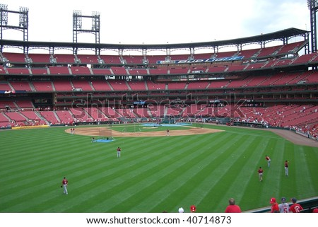 ST. LOUIS - MAY 30: Early arriving fans await a spring contest at Busch Stadium by watching batting practice on May 30, 2006 in St. Louis, Missouri.