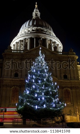 St. Paul's Cathedral at Christmas