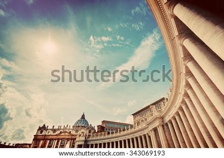 st. peter's basilica colonnades ...