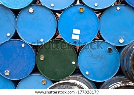 Stacked blue tanks, oil tanks, gasoline tanks, fuel tanks, asphalt tanks, oil barrels, chemical drums, circles, circles design