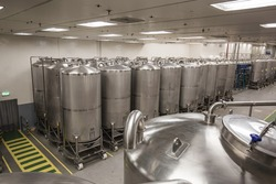 Stainless group vertical steel tanks with in equipment tank chemical cellar at the with scrolling wheel stainless steel tanks cleaning and treatment at chemical plant