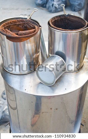 Stainless steel pot for tea and coffee