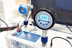 Standart pressure transmitter of portable calibrator