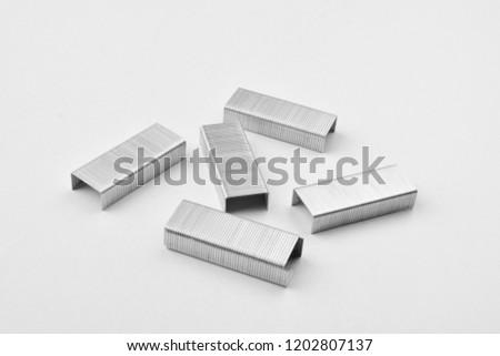 stapler pins isolate ob white background
