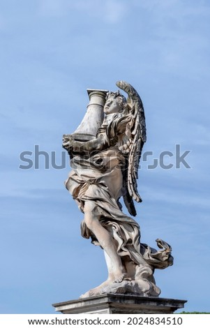 statue at Aelian bridge also known unter name bridge of the holy angels which lead to the castel sant' Angelo, the castle of the holy angel in Rome, Italy Photo stock ©