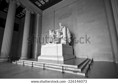 statue of abraham lincoln at...