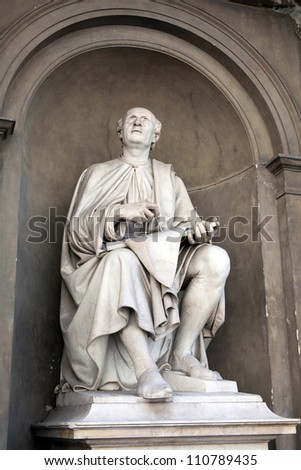 Statue of Filippo Brunelleschi by Luigi Pampaloni. Brunelleschi was one of the foremost architects and engineers of the Italian Renaissance and engineering the dome of the Florence Cathedral.