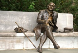 Statue of George Mason (Father of the Bill of Rights)