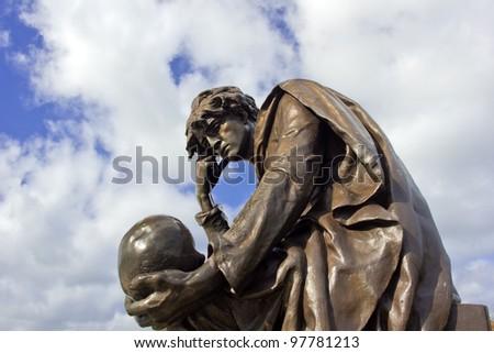 Statue of Hamlet William Shakespeares characer