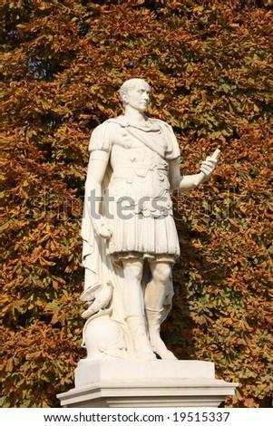 julius caeser statue
