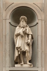 Statue of Leonardo Da Vinci outside the Uffizi colonnade in Florence.