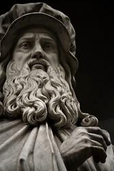 Statue of Leonardo da Vinci. Statue outside the  Uffizi, Florence