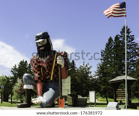 statue of paul bunyan the giant ...