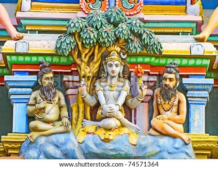 statue of shiva in hindu temple