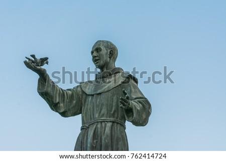 Statue of St. Francis, S.Mamolo Gate, Chrissy Santissima Annunziata, Bologna - Emilia Romagna