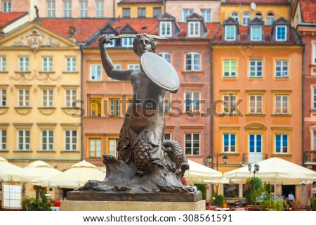 Statue of Syrenka, Mermaid of Warsaw, symbol of the city of Warsaw, at the Old Town Market Square, Poland Zdjęcia stock ©