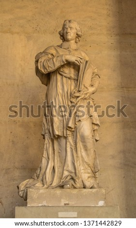 Statues, applied monuments placed on facades and by the squares of European cities #1371442829