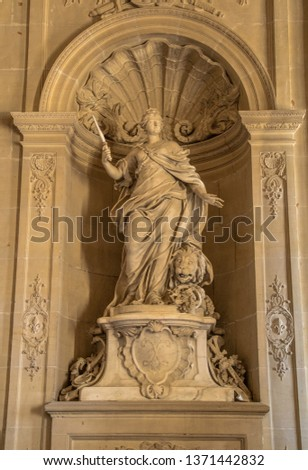 Statues, applied monuments placed on facades and by the squares of European cities #1371442832