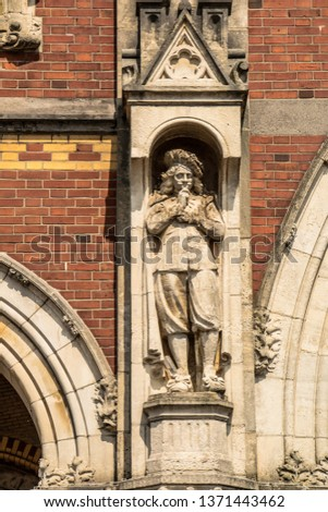 Statues, applied monuments placed on facades and by the squares of European cities #1371443462
