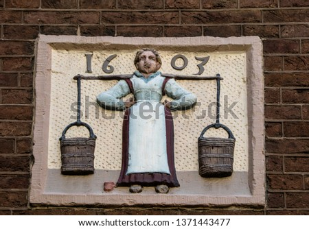 Statues, applied monuments placed on facades and by the squares of European cities #1371443477