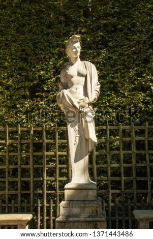 Statues, applied monuments placed on facades and by the squares of European cities #1371443486