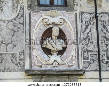 Statues, applied monuments placed on facades and by the squares of European cities #1373285318