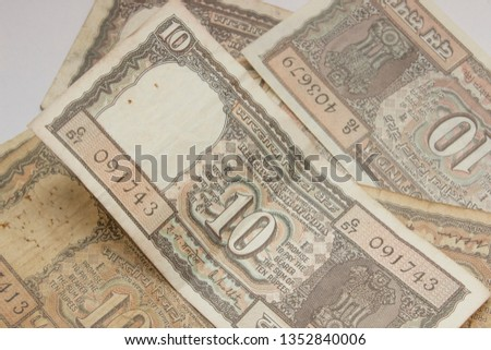 Indian Rupee banking icon Images and Stock Photos - Page: 2 - Avopix com