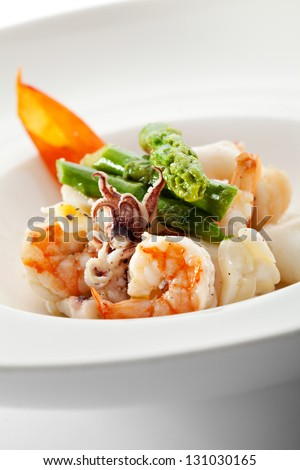 Steamed Seafood Salad with Asparagus
